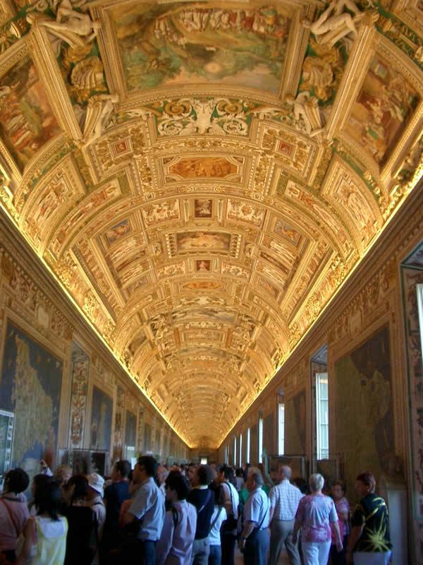 ヴァチカン美術館のすごい天井